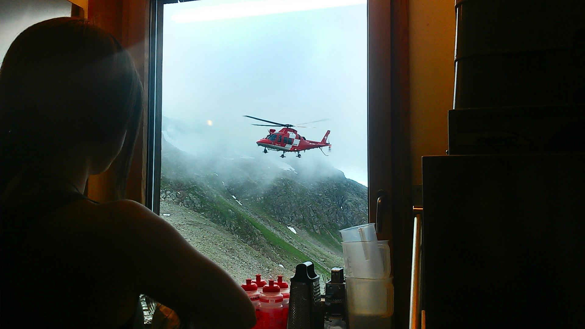 helikopter-praca-schronisko