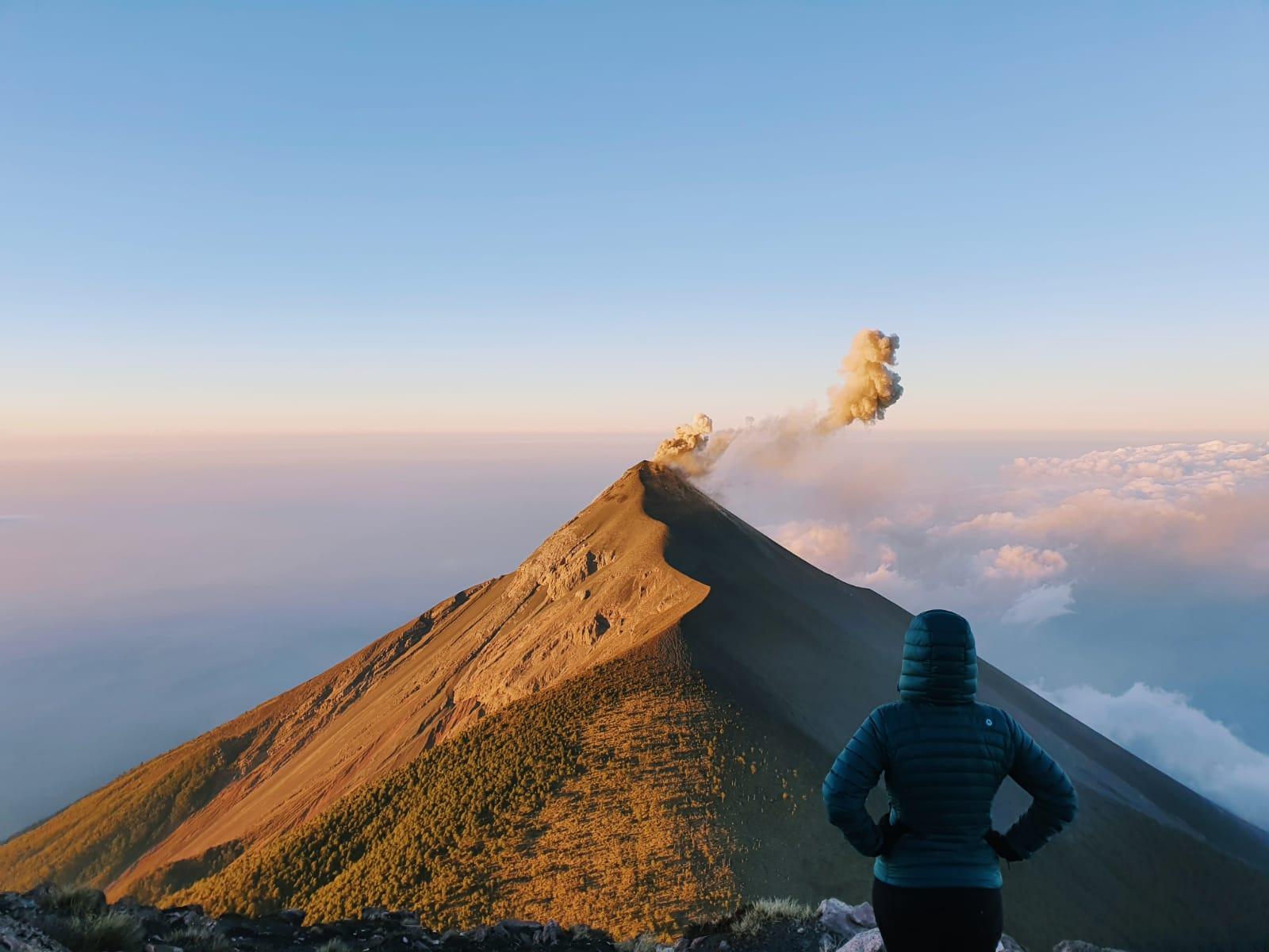 wulkan-Fuego-erupcja
